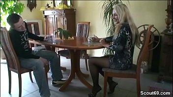 frau mich zum nur sprache auf deutsche vordert wichsen Sexy merilyn toying her pussy on webcam