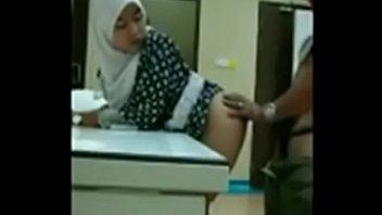 jilbab indo bokep Aline interracial gangbang facial