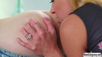 surprise wake up threesome Le fantasie anali di milly