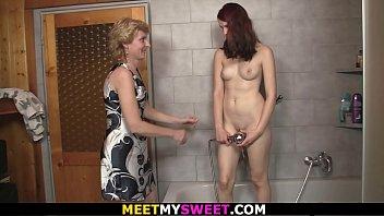 couple and escort3 amateur Frnch strip cam