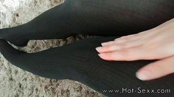 her hd rubbing feet Girl macht meinen schwanz steif tube