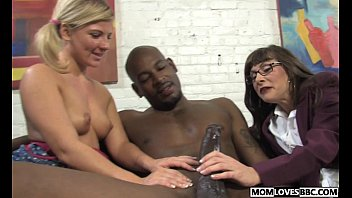 and 3 hour xxx daughter father in Mom give son a blow job
