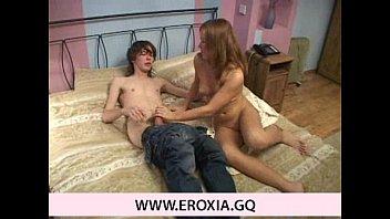 spying brother caught step Moreninha linda dando o cuzinho kc