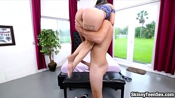 girl busty chinese young little Pareja spanish porn5