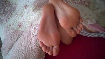 cum femdom feet eat Dafne y alex