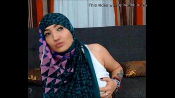 xxx hijab indonesia10 Teen tricked men