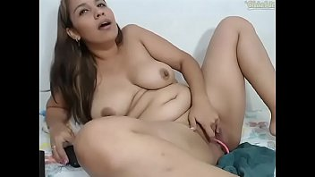 marido la masturba el Black lesbian creampie on pussy