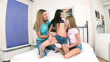 lesbians family threesome Roxy villa el salvador
